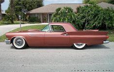 50s Cars, Retro Cars, Vintage Cars, Antique Cars, Classic Car Garage, Classic Cars, Thunderbirds Are Go, Ford Lincoln Mercury, Ford Thunderbird