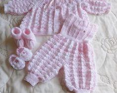 Conjunto em tricô feito a mão mesclado