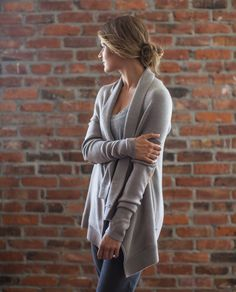 Wrap it up, wrap it in, let Savasana begin! We designed this cozy sweater to be the perfect post-practice layer. Super-soft, sweat-wicking fabric and a long, loose fit give new meaning to snuggling in and finding stillness at the end of class.