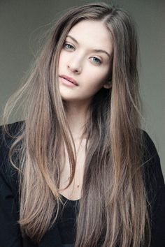 Long Wavy Ash-Brown Balayage - 20 Light Brown Hair Color Ideas for Your New Look - The Trending Hairstyle Brown Hair Pale Skin, Light Ash Brown Hair, Ashy Hair, Ash Brown Hair Color, Hair Color Auburn, Auburn Hair, Sandy Brown Hair, Dark Ash, Hair Colours For Pale Skin