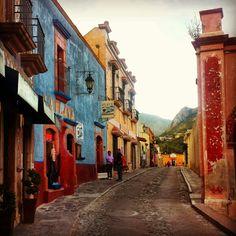 Peña de Bernal, hermoso Pueblo Mágico en Querétaro, México.