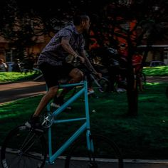Fixie drivers. Photo:@xxorrtizz @overr.timee #colombiaphotography #topcolombiaphoto #colombia #colombiafixed #bogotaphotography… Bicycle, Photography, Bicycles, Colombia, Bicycle Kick, Fotografie, Bike, Photography Business, Bicycling