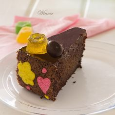 Irish Cream Chocolate Cake with swiss-roll decorated sides / Something Sweet - Winnie's blog