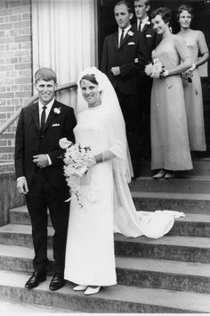 Gorgeous bride and groom looking classic. | 60 Adorable Real Vintage Wedding Photos From The '60s