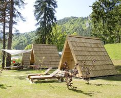 Camping Bled Glamping Kidričeva 10 c Bled Slovenija T: 386 4 575 20 00 Eco Cabin, Tiny House Cabin, Cabin Homes, Cabin Kits, A Frame Cabin, A Frame House, Cabins In The Woods, House In The Woods, Camping Bled