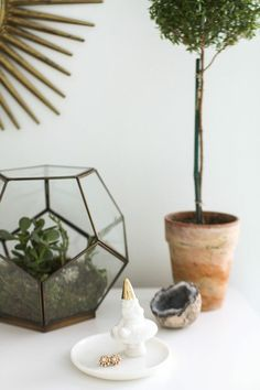 @Kate Whiting Jaren Living Giveaway from @Danielle Lampert Lampert Moss Home Tour // home decor // bedroom styling // topiary // gnome // photography by @Danielle Lampert Lampert Moss