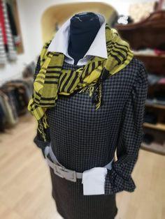 😉Netradičný ONLINE OUTLET😍 store s dobrým pocitom a pekným oblečením. Nové značkové veci s visačkou. 😀Zľavy do -70%👀 👉Objednávky ZASIELAME poštou👈 Ruffle Blouse, Photo And Video, Store, Outfit, Book, Instagram, Women, Fashion, Tent