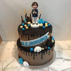 Tarta buttercream con dripp de chocolate. Cupcakes, Birthday Cake, Chocolate, Desserts, Food, Fondant Cakes, Lolly Cake, Candy Stations, Cookies