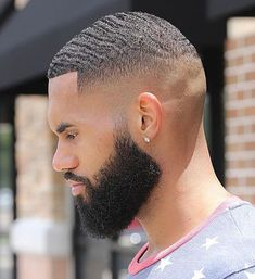 Beard Styles 726205508645031082 - Cortes Source by francismelle Black Man Haircut Fade, Black Hair Cuts, Black Boys Haircuts, Haircuts For Men, Modern Haircuts, Waves Hairstyle Men, Waves Haircut, Updo Hairstyle, Mens Medium Length Hairstyles