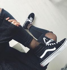 Hi vans  vans  newin  sk8hi  oldskool  fashion  blackandwhite  love 16814e1e374