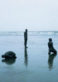 """Land, Sea, Air"" Antony Gormley is a British sculptor Liverpool, Abstract Sculpture, Sculpture Art, Metal Sculptures, Bronze Sculpture, Sculpture Ideas, Antony Gormley Sculptures, Grandeur Nature, Sir Anthony"