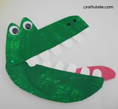 Paper Plate Alligator - a snappy fun craft project for kids                                                                                                                                                     More