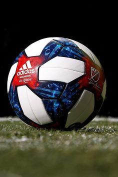 Nike Football Boots, Adidas Football, Football Kits, Football Players, Barcelona Fc Logo, Neymar Football, Cristano Ronaldo, Football Accessories, Mls Soccer