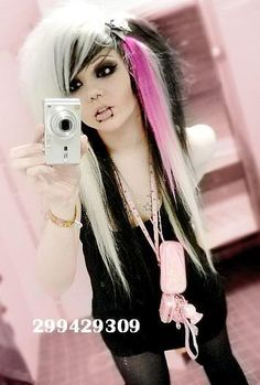 Girl with cute blonde black and pink scene hair Photo: emo scene hair. Cute Scene Girls, Cute Emo Girls, Scene Kids, Short Scene Hair, Emo Scene Hair, Emo Hair, Emo Scene Makeup, Emo Girl Hairstyles, Gothic Hairstyles