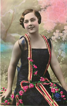 Lovely, tinted, 1920s fashion postcard
