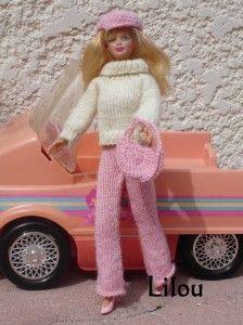 L'hiver va venir, Et il n'y a rien de mettable (selon elle....) dans sa penderie. Il faut donc aller faire les magasins regarder, essayer...... Mais pour y aller, encore faut-il avoir la tenue adéquate ! Vite, vite, je lui ai tricoté un ensemble, Et elle...