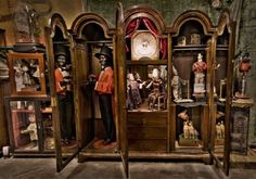 The House of Automata houses a private collection of rare antique automata.Automata restorers in Kinloss, near Inverness NE, Scotland Miniature Bases, Collections Of Objects, Displaying Collections, Cabinet Of Curiosities, Painting Cabinets, Box Art, Victorian, Antiques, Modern