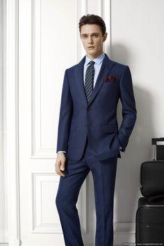 Костюм из итальянской ткани Reda. Reda - еще одна итальянская🇨🇮 семейная мануфактура ткани. 90% шерсть, 10% шелк. Вес ткани 420 gsm (подойдет для холодного климата) Костюм двойка - 45 000 р.  #revento #revento_men #suits #suitonline #tailor #onlinetailoring #костюм #костюмназаказ #fashion #mensfashion #портной #сшитькостюм #рубашканазаказ #пиджак #пиджакназаказ #манжеты #запонки #костюмвмоскве #мужскойстиль #мужскаямода #одежданазаказ www.revento.ru 8 (499) 348 2016 WhatsApp 8 924 671… Men's Apparel, Suit Jacket, Breast, Suits, Formal, Jackets, Style, Fashion, Moda