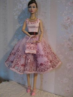 Poppy Parker models a handmade lace dress & accessories | eBay