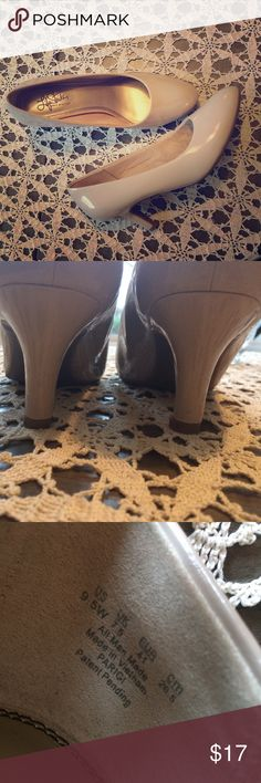"""Life stride pumps heels shoes ivory beige 9.5w Very elegant. Cushioned. Great condition. Heel 2,6"""" Life Stride Shoes Heels"""