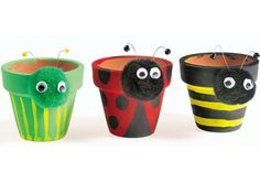 Plant pot pets garden craft Turn old garden pots into these cute garden pets with our easy craft instructions. We've got more crafts for kids and garden crafts Flower Pot Crafts, Clay Pot Crafts, Flower Pots, Jute Crafts, Garden Crafts For Kids, Summer Crafts, Kids Crafts, Garden Kids, Party Crafts