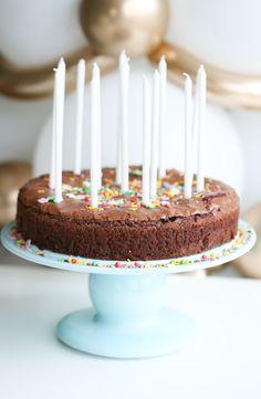 Reklame / Ballongbuketten / Bakeren & Kokken  Her hjemme får bursdagsbarnet akkurat den kaken d...