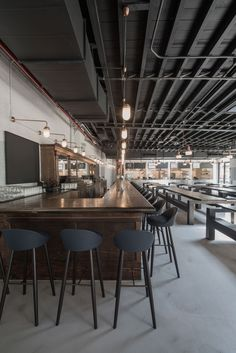 Berg'n Restaurant by Selldorf Architects in Brooklyn, New York. Photography by Jonathan Chesley.
