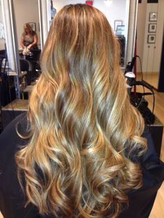 long golden blonde hair   My natural hair looks like this Idk what to do with it tho!