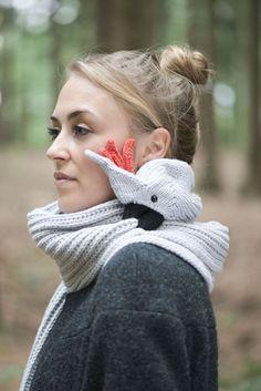 Strickschals - Kakadu Schal hellgrau - ein Designerstück von Nina-Fuehrer bei DaWanda