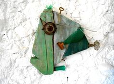 Noni Font. Peixos. Fish recycled material #fish #art