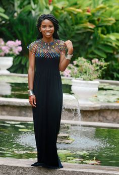 How to use an African beaded necklace to transform a simple dress or outfit. Love Fashion, Fashion Looks, Fashion Outfits, Fashion Design, Beautiful Black Girl, Beautiful Gowns, Mode Wax, African Braids Styles, African American Hairstyles