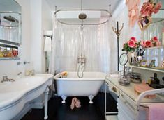 betsey johnson, betsey johnson's house, penthouse, home inspiration, apartment, pink apartment, audrey kitching, bathroom inspiration, bathroom, ladies room