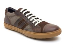 AMERICAS WAXY/LINEN BROWN Cool and chilled out, Base London's casual men's shoe Americas provides the perfect laid back style.  Packed full of details, Americas combines linen and leather uppers. A waxy leather toe-cap. Suede tongue are mixed with waxed canvas side panels. Base London's branding, embossed at the side and on a metal stud at the ankle provides the maker's mark.  http://www.baselondon.com/catalog/product/view/id/9090/s/americas-waxy-linen-brown/  #SS15 #menswear #shoes