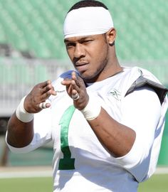 Kory Sheets ready to roll for Saskatchewan Roughriders. Sure am going to miss this guy Football Football, Baseball, Go Rider, Saskatchewan Roughriders, Canadian Football League, Grey Cup, Saskatchewan Canada, Love My Man, Ready To Roll
