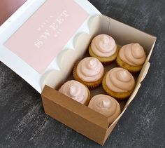 DIY - Have a Sweet Day Cupcakes - Frosting Recipe + Step-by-Step Tutorial for Packaging + Free PDF Printable for the Box Label.