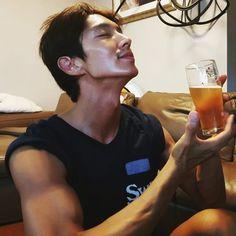 Check out the guns on Joon Gi! Joon Gi, Lee Joon, Korean Celebrities, Korean Actors, Korean Dramas, Lee Jong Ki, Arang And The Magistrate, New Actors, Kdrama Actors