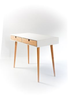 Desk lacquered in white and oak drawers Bureau | Designer: Habitables