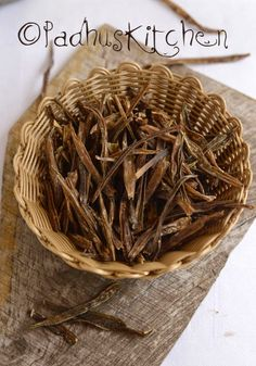 Kothavarangai Vathal-Sun Dried Cluster Beans-How to make Vathal - Padhuskitchen Paneer Recipes, Veg Recipes, Indian Food Recipes, Asian Recipes, Vegetarian Recipes, Cooking Recipes, Indian Pickle Recipe, Dry Snacks, Dried Vegetables