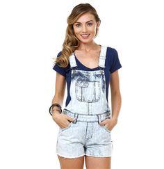 Jardineira feminina em jeans marmorizado