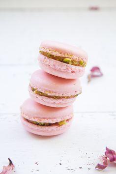 ... rose pistachio macarons ...