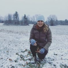Annie @ Outdoorsy Mama: Home for the Holidays. Surprise first Snow. Vermon...
