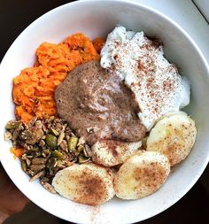 "Pey di Instagram ""Sweet potato bowl this morning 🤗 Mashed a prepped baked sweet potato, topped it with yogurt, almond butter, bananas, and some grain free…"" Almond Butter, Pot Roast, Grain Free, Hummus, Acai Bowl, Sweet Potato, Yogurt, Grains, Food Porn"