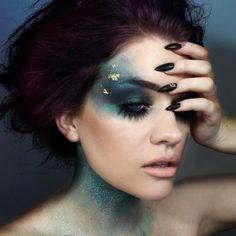 pιnтereѕт : @HerGuide Fx Makeup, Makeup Inspo, Makeup Inspiration, Makeup Tips, Makeup Ideas, Makeup Brushes, Prom Makeup, Gold Makeup, Medusa Makeup