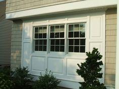 Azek crown moulding and vinyl siding Bay Window Exterior, Exterior Trim, Exterior Homes, House Exterior Color Schemes, Exterior Colors, Molding Around Windows, Crown Molding, Moulding, Azek Trim