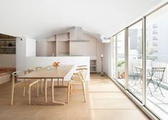 Van oude flat naar licht familiehuis met en wel héél open indeling - Roomed