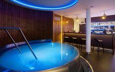 Stainless steel whirlpool Imaginox next to bar in hotel wellness Spa, Bathtub, Wellness, Stainless Steel, Design, Standing Bath, Bathtubs, Bath Tube
