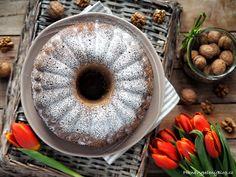 Ořechová bábovka Candle Holders, Candles, Bundt Cakes, Food, Essen, Porta Velas, Candy, Meals, Candle Sticks