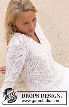 Naxos / DROPS - Free knitting patterns by DROPS Design DROPS sweater with slit on the neck and on the sides in saffron and cotton viscose. Free patterns by DROPS Design. Sweater Knitting Patterns, Cardigan Pattern, Knitting Stitches, Knit Patterns, Knitting Machine, Summer Knitting, Easy Knitting, Finger Knitting, Knitting Tutorials