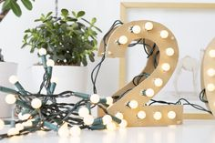 {DIY} easy new year marquee numbers | ohnorachio!