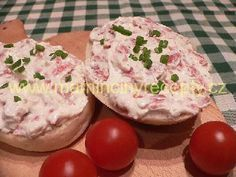 Křenová pomazánka s Herkulesem No Salt Recipes, Cooking Recipes, Czech Recipes, Ethnic Recipes, Food Dishes, Muffin, Food And Drink, Appetizers, Snacks
